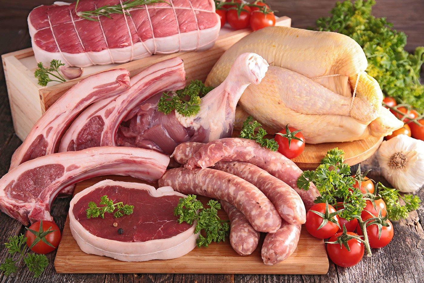 Carne cruda in vari tagli