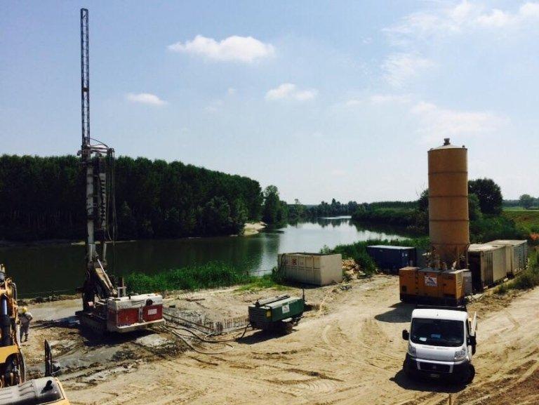 Opera di presa sul fiume Po – provincia di Ferrara – 2015