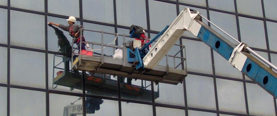 pulizia di vetrate
