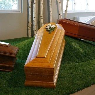 cofani funebri legno chiaro