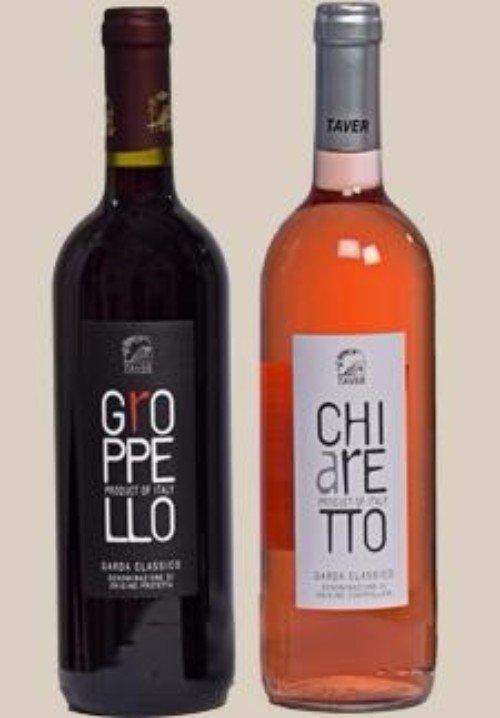 una bottiglia di vino rosso e rosè' della marca Taver