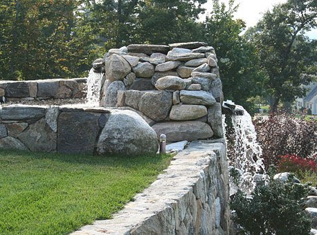 Connecticut Tan Fieldstone, retaining walls with Natural Cap.