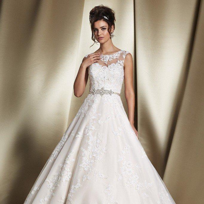 Gorgeous Ronald Joyce Bridal Gowns In Felixstowe