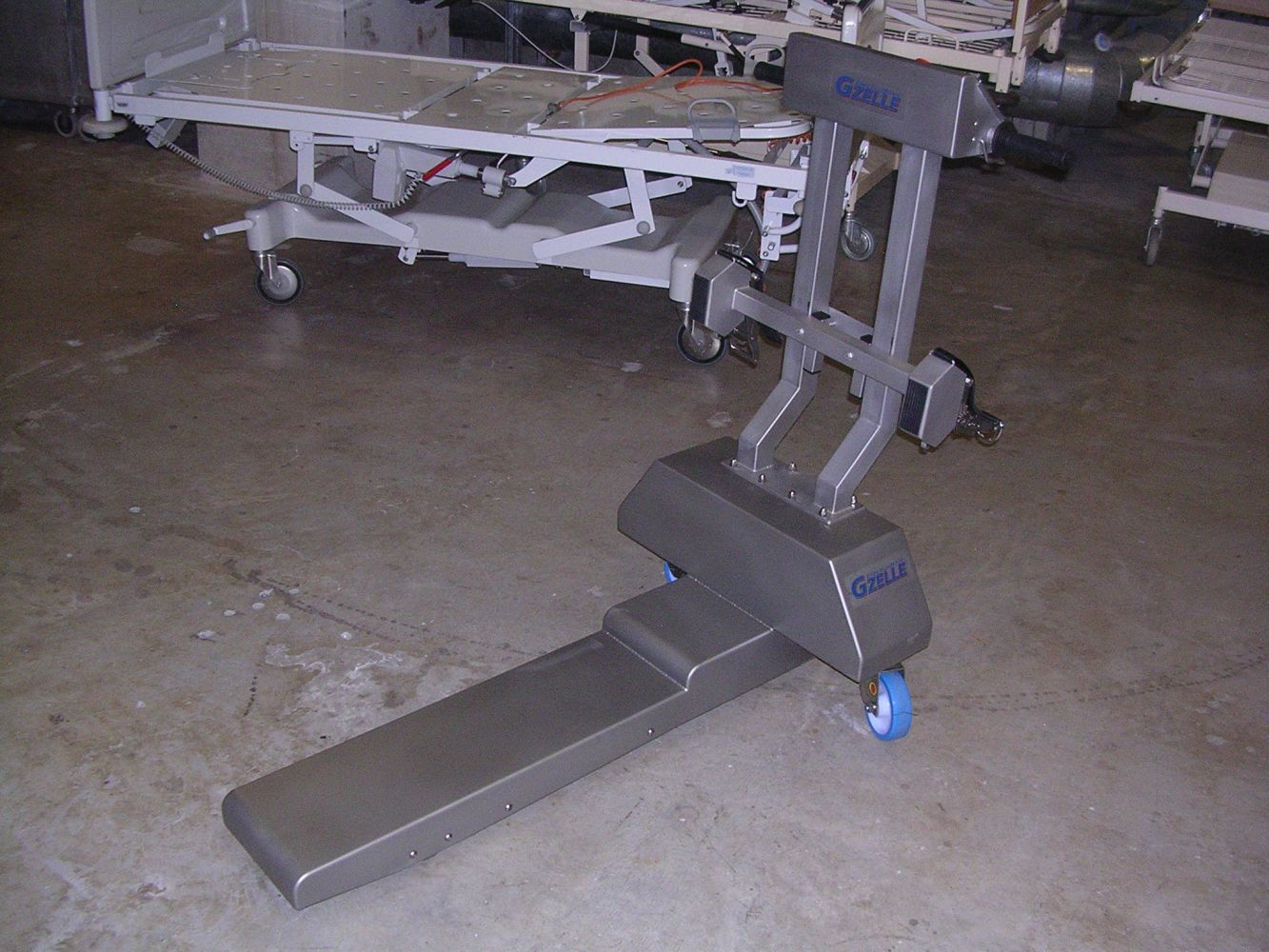 Motorised, stainless steel Bed mover