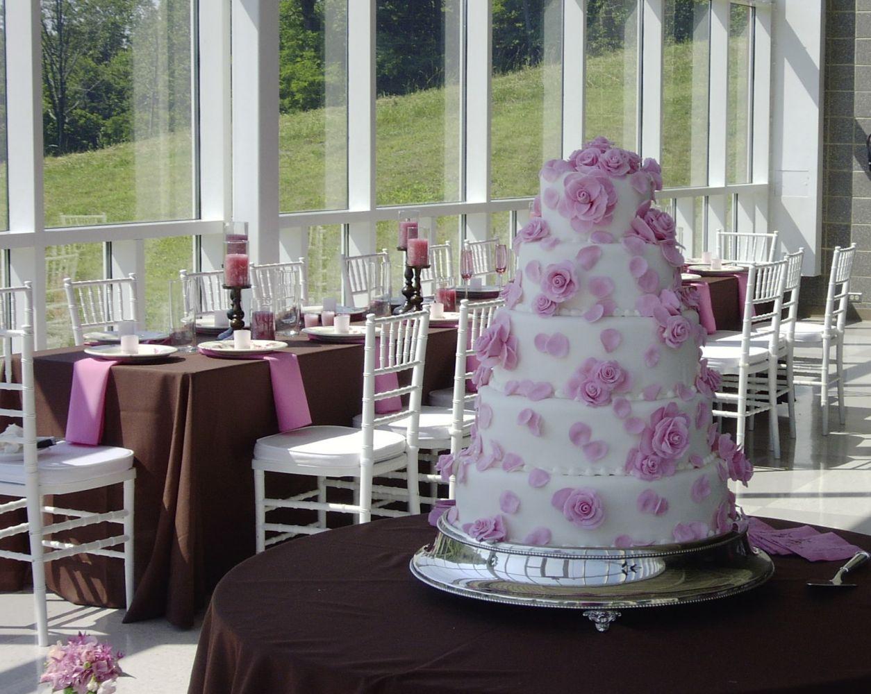 Custom cakes in Newport, KY
