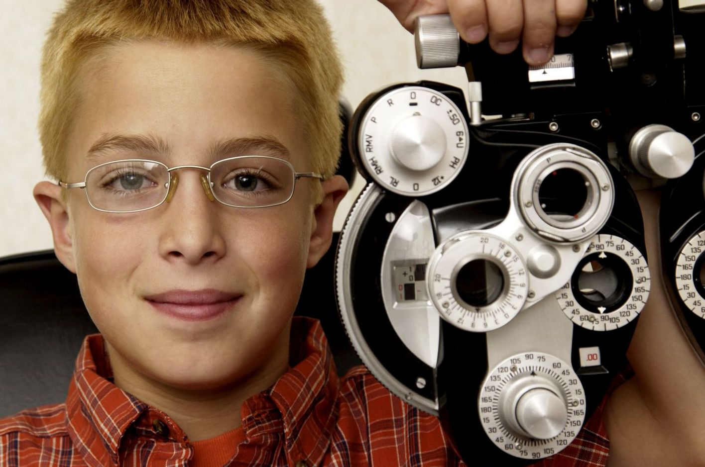 eye care specialists on phone in Rochester, NY