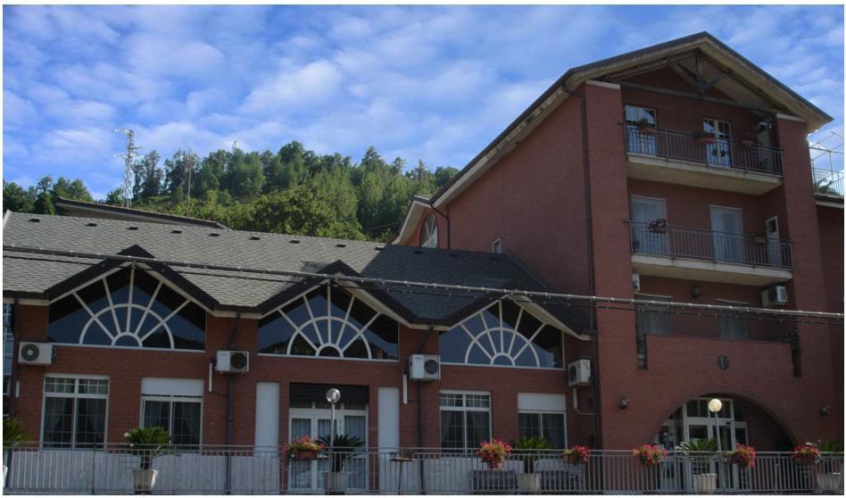 facciata di un hotel