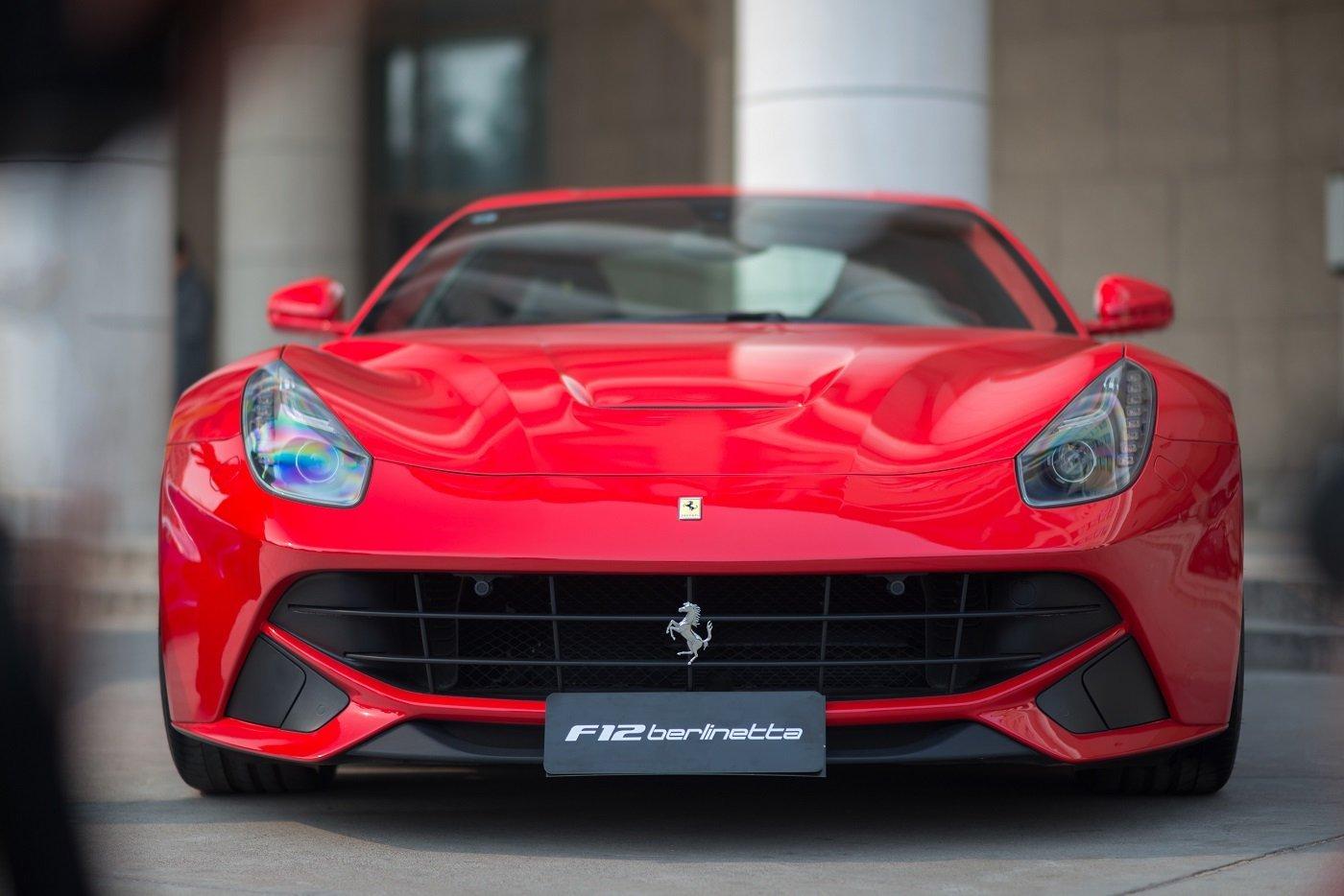 noleggio Ferrari rossa