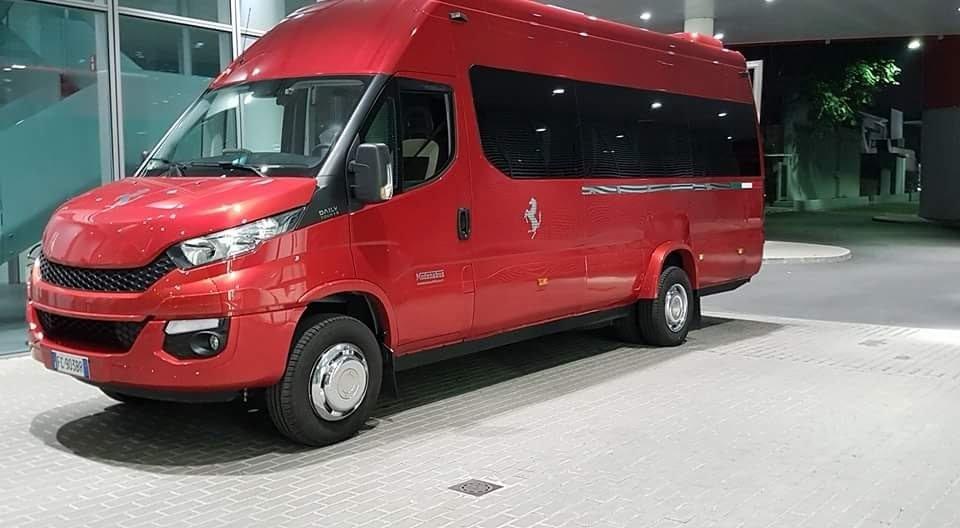 mini bus per gite turistiche