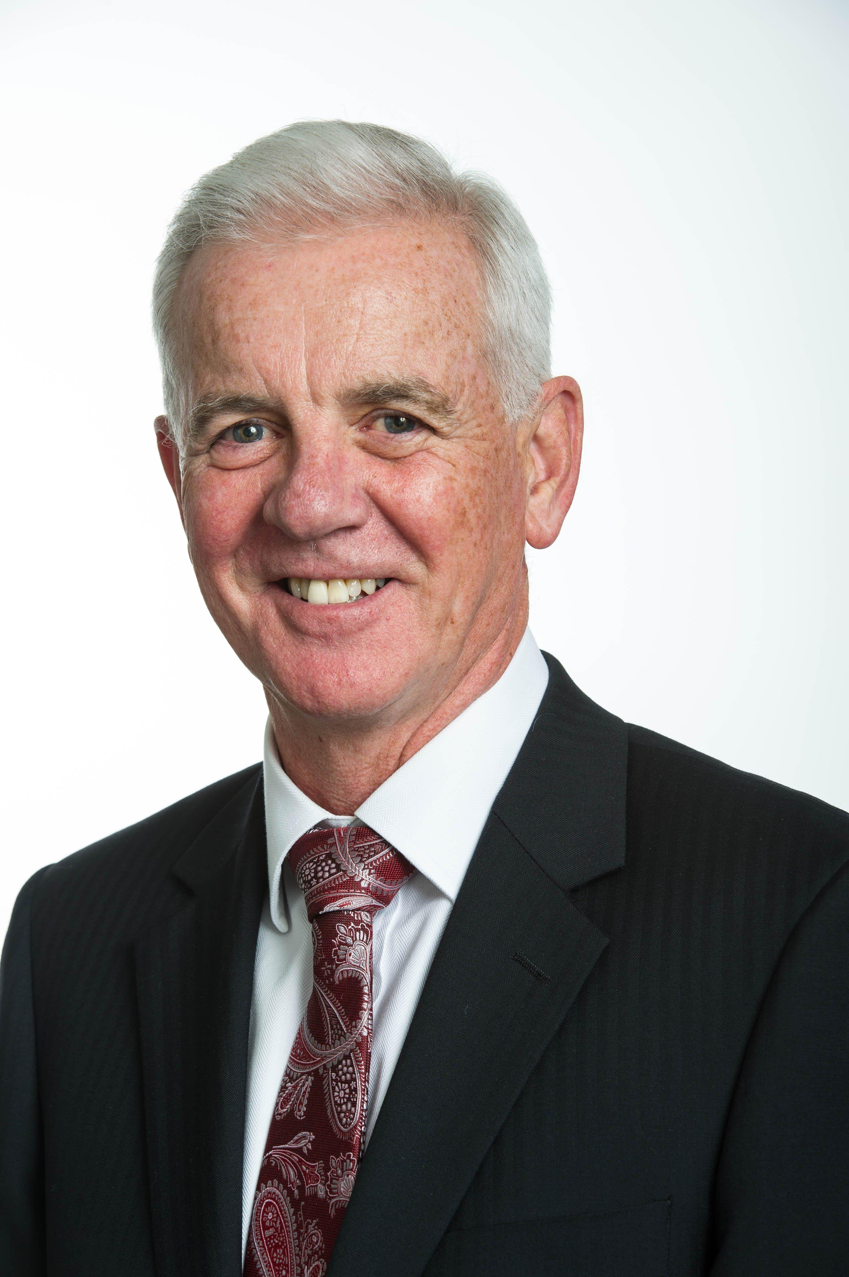 Mr Ian MacDonald