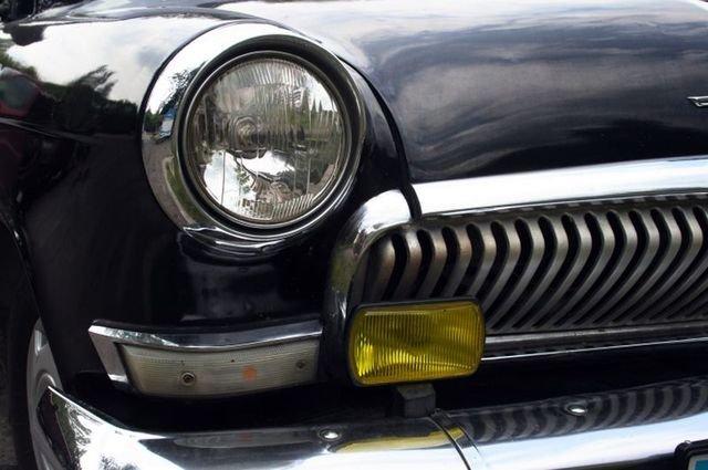 servizi di restauro auto antiche, rifacimento interni auto d'epoca, riparazioni carrozzeria