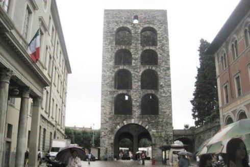 Porta Torre a Como