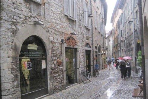Vie del centro storico di Como