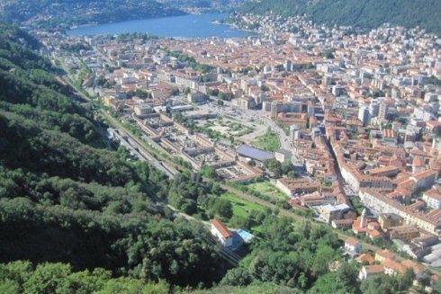 Vista aerea di Como
