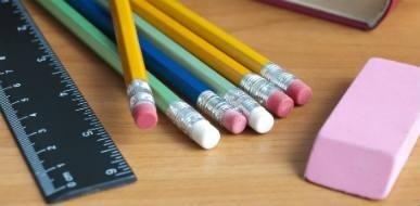 Fornitura matite e cancelleria