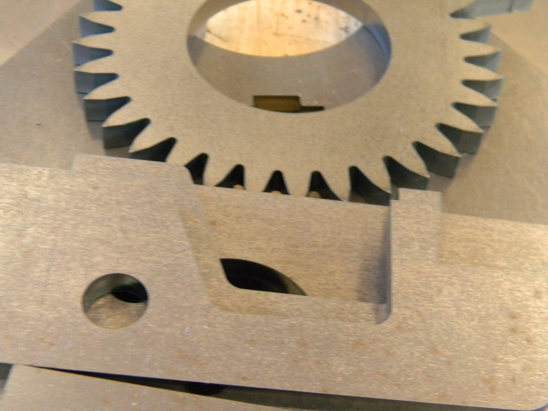 particolari in lamiera tagliati a laser