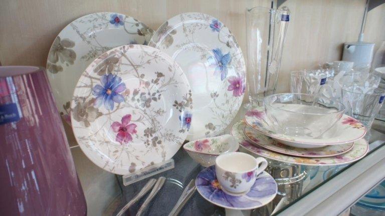 Set di piatti in ceramica floreale Rimini