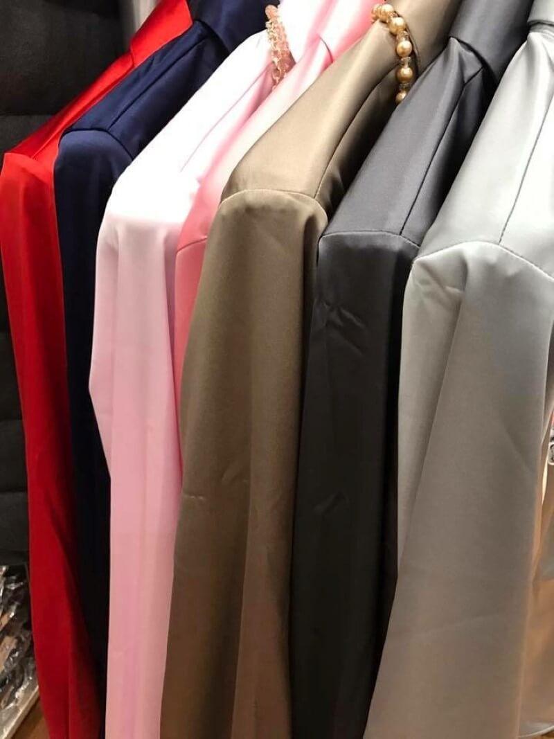 esposizione di giacche da donna ingram