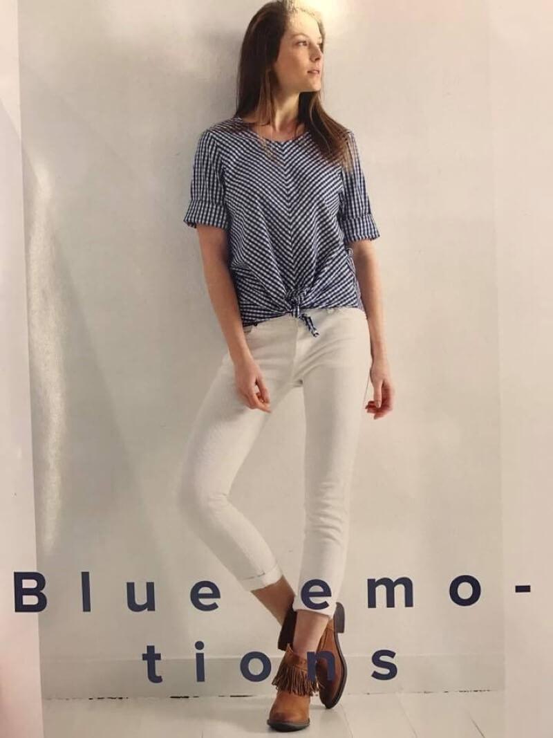 modella in manifesto di moda