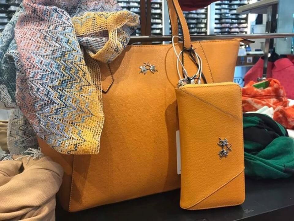 borsa gialla di pelle