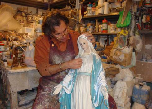 lavorazione statue sacre