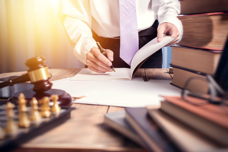 Giudice fare note sulla carta