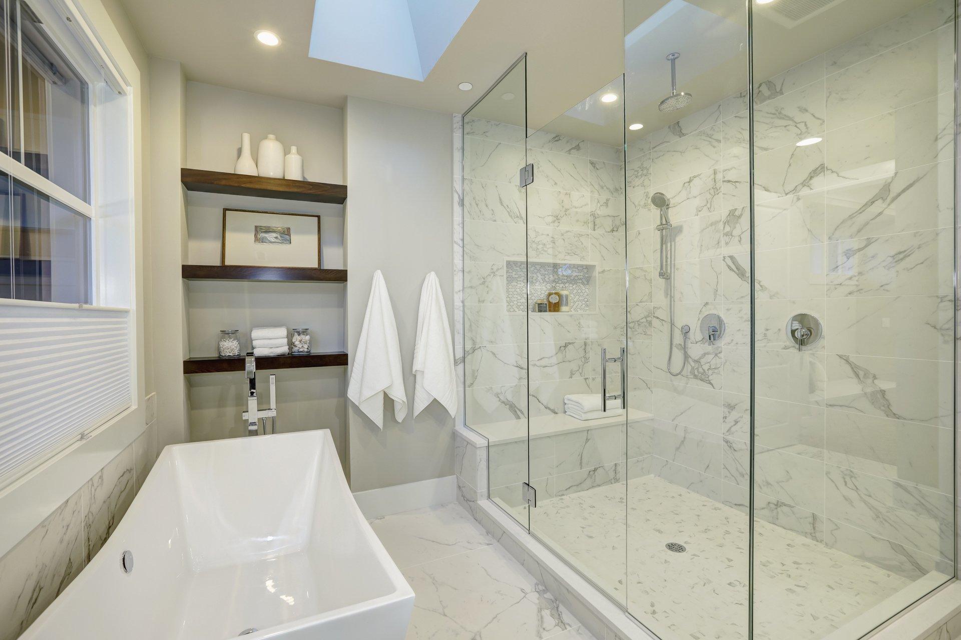 Soluzione in vetro per bagni, modello 6