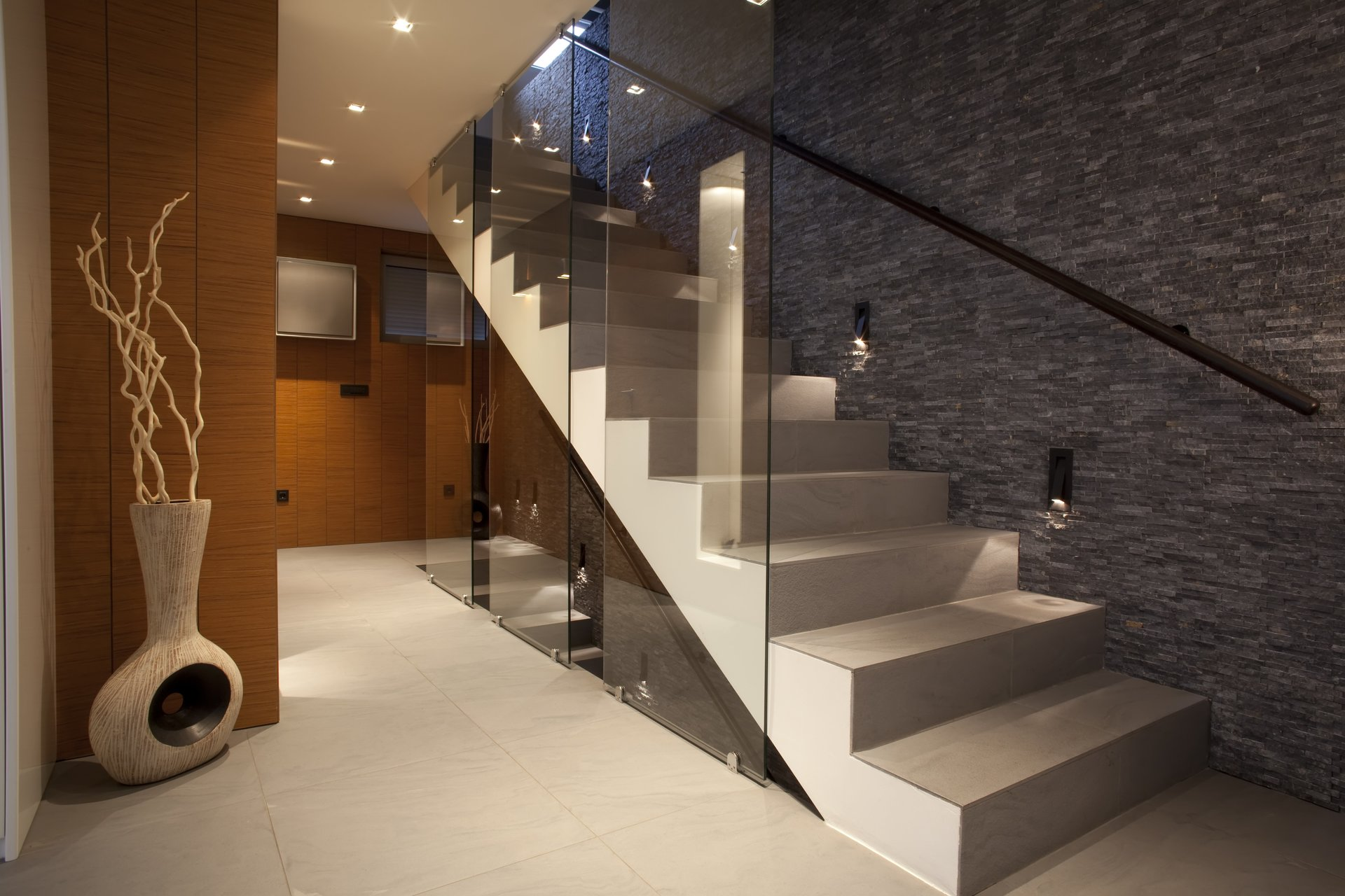 Soluzione in vetro per la casa, modello 4