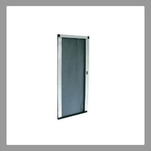 finestra e zanzariera chiusa