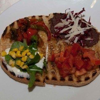 Bruschetta vegetariana