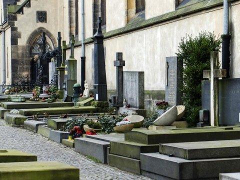 statue e sculture funebri