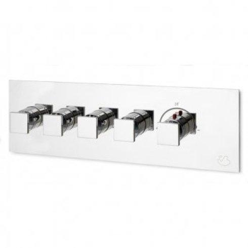 Gruppo di cinque rubinetti di doccia compreso il regolatore di temperatura