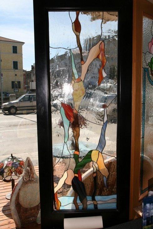 Vetrata rilegata con vetro antico k opalascenti e iridescenti san benedetto del tronto