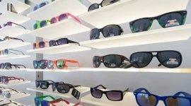 assemblaggio occhiali, montature per occhiali, lenti da vista