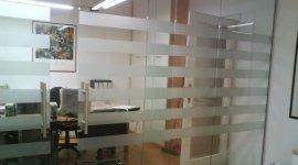 studio con parete a vetro