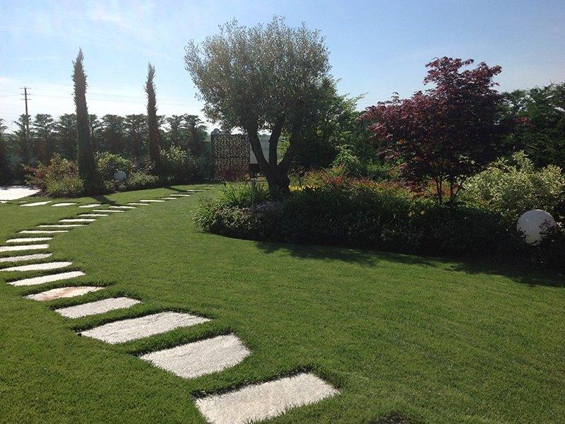 Giardino privato con piscina pavia andrea bariani giardini - Giardini con piscina ...