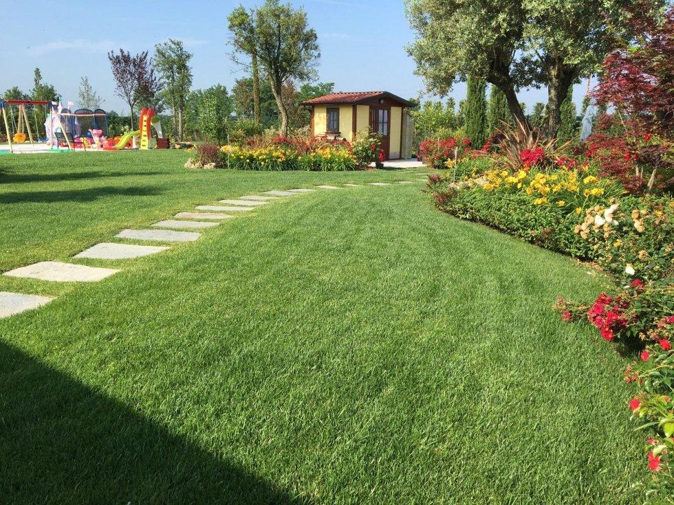 Giardino privato con piscina pavia andrea bariani giardini - Progetto giardino privato ...
