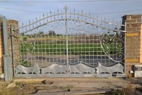 Cancello di metallo in stile signorile