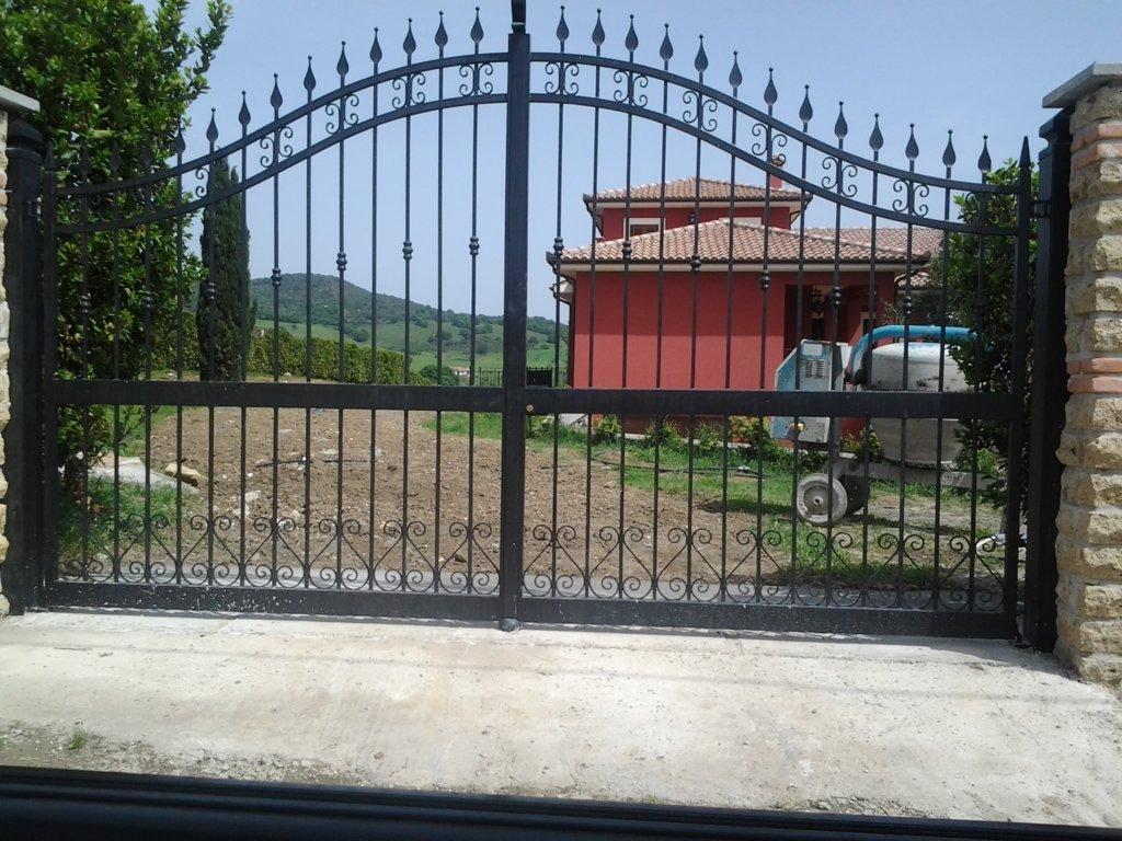 Porte e cancelli in ferro cerveteri rm fabbrica - Cancello porta ingresso ...