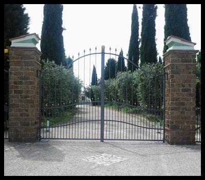 Cancello d'ingresso in metallo