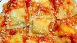 pappardelle al cinghiale in umido, piatto di tortelli, tortelli fatti in casa