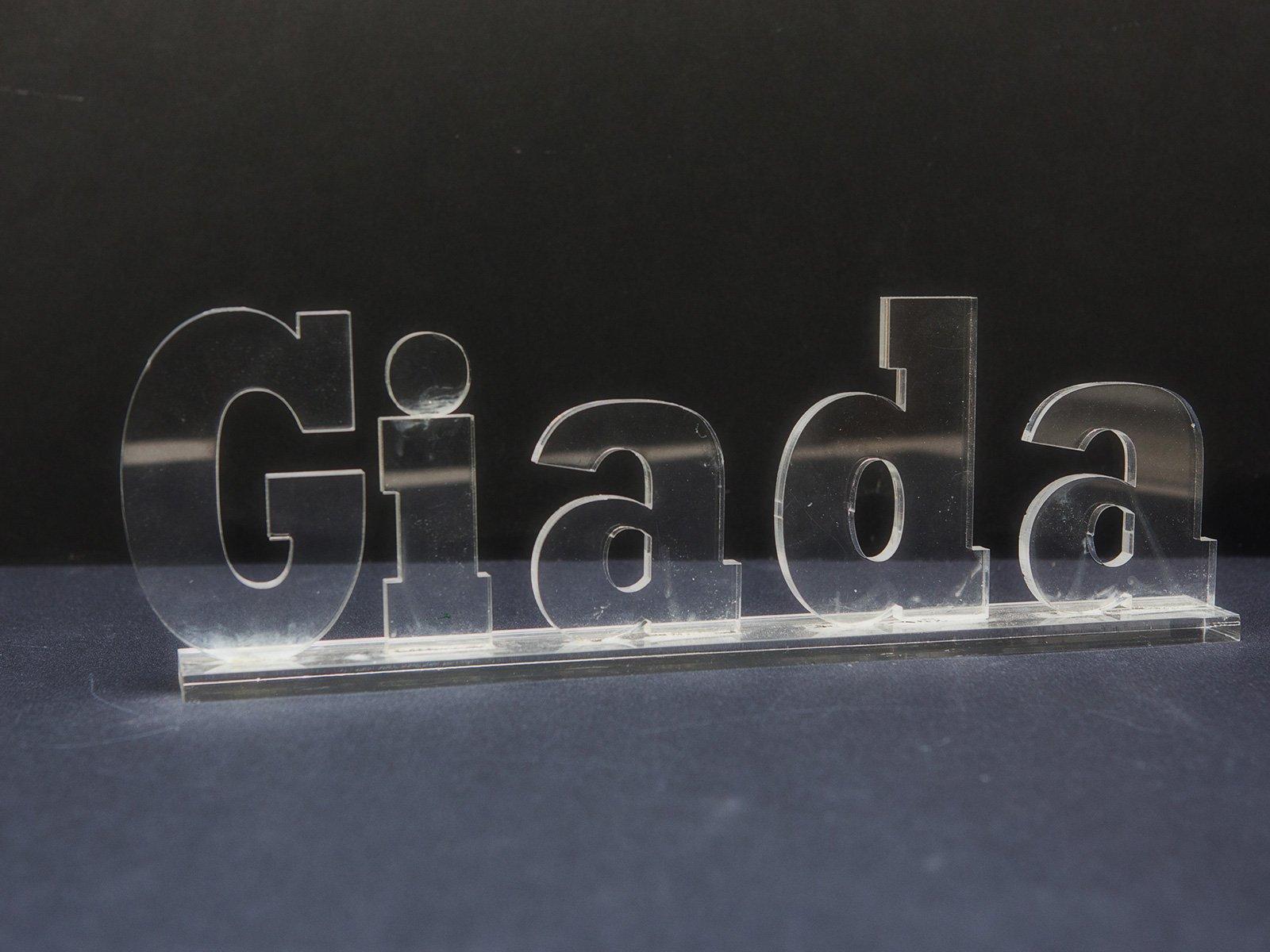 Taglio plexiglass