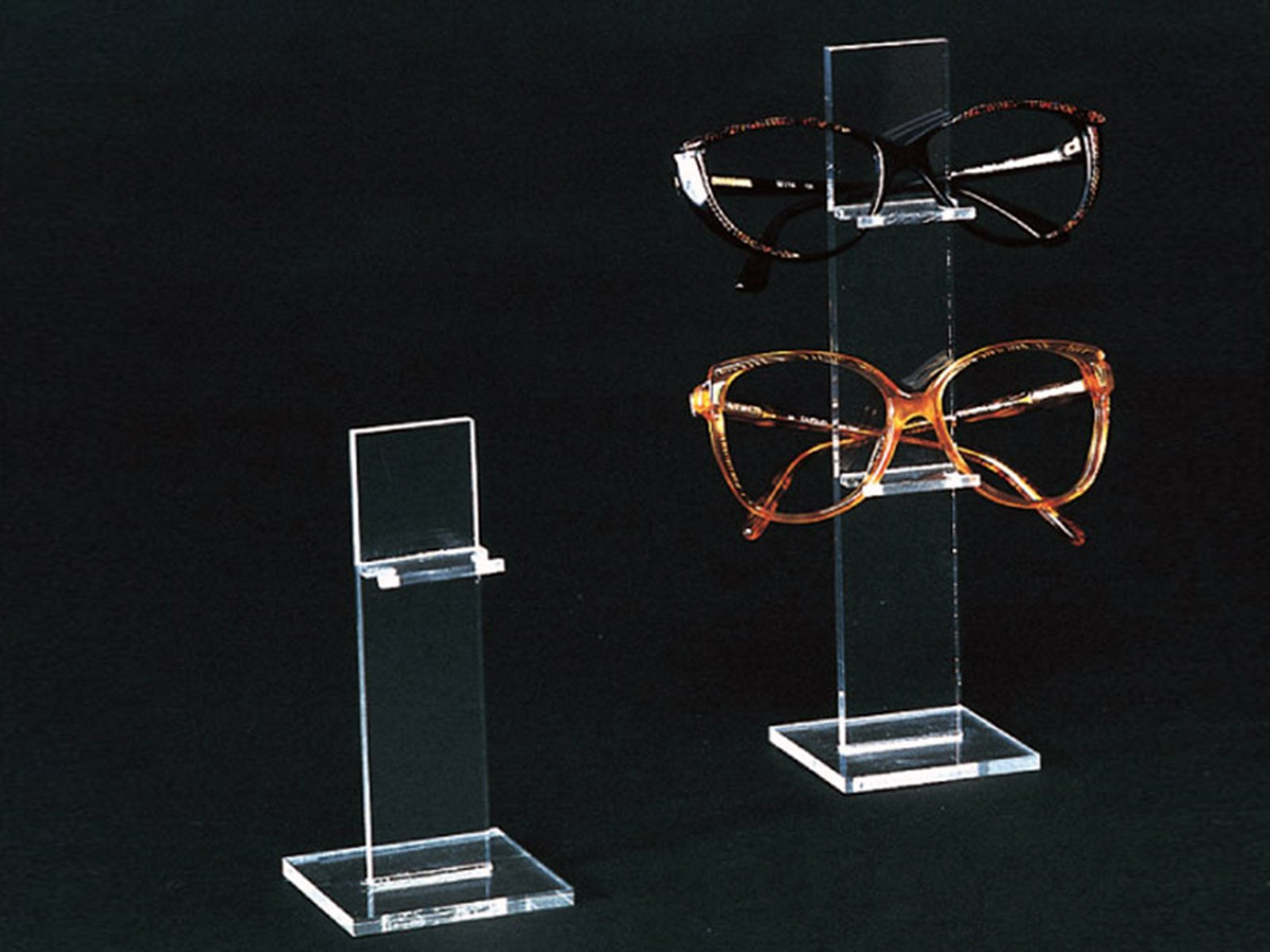stand occhiali in plexiglass