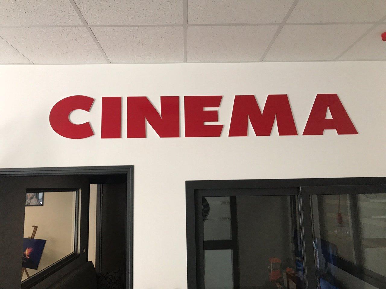 insegna cinema