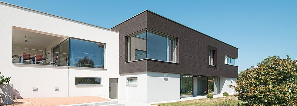 vista laterale di una casa indipendente