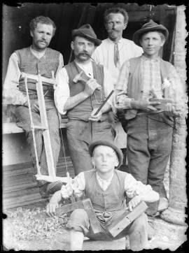 Foto antica del team della Falegnameria Bernardis