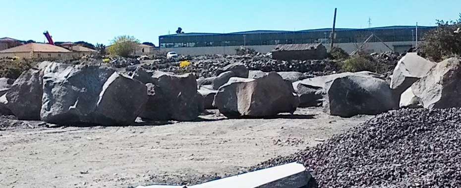 dei blocchi di pietra