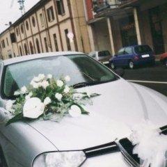 Allestimenti floreali per auto