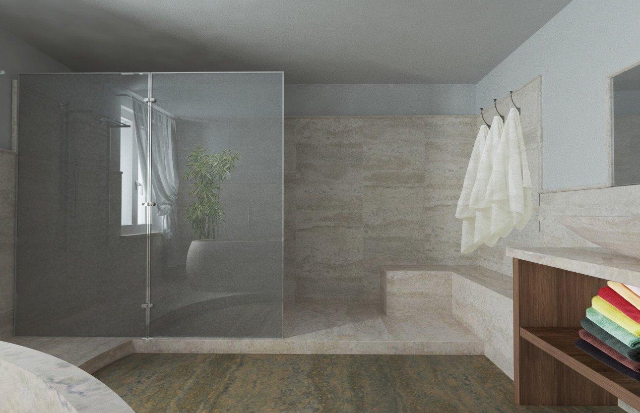 bagno in marmo con doccia aperta e lavabo in marmo