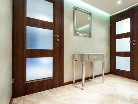 serrature e maniglie per porte in legno